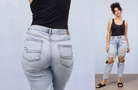 Best diy high waisted jeans outfits for women Crop Top American Eagle Mom Jeans American Eagle Outfitters