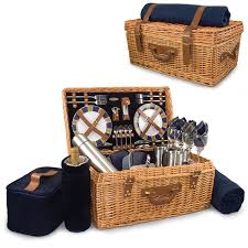 Amazon.com: Picnic Time Windsor English-Style Willow Picnic Basket with  Deluxe Service for 4: Picnic Basket Sets: Kitchen & Dining
