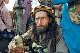 """فساد ممتد لسنوات و""""خروج آمن"""" في المعارك.. كيف عادت طالبان؟"""