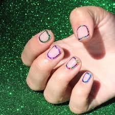 Маникюр с глиттером для <b>ногтей</b>: 13 фото идей как пользоваться ...