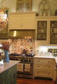 Decor Over Kitchen Cabinets 25 Best Ideas About Above Cabinets On Pinterest Above Kitchen