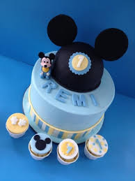 Mickey Mouse Theme First Birthday The Design Of The Cake Was Created
