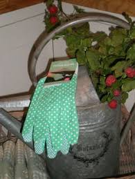 Small Picture LADIES GENERAL HEAVY DUTY USE DESIGNER GARDENING GLOVES LIMITED