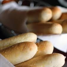 olive garden partnering with prime for breadstick deliveries brit co