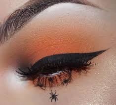 spider makeup eyeliner orange eye shadow