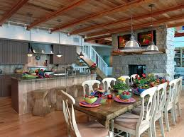 African American Kitchen And Dining Room Combo (Image 1 of 10)