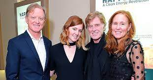Robert redford and his family are mourning the death of his son james, who passed away after a battle with liver cancer at age 58. Robert Redford Is The Father Of 4 Kids Meet All Of Them