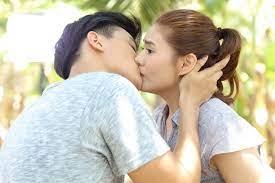 """บลิว วรพล"""" จูบ """"มิ้นท์ บารมิตา"""" หวานเจี๊ยบกลางท้องร่อง - EVENT96 PR ONLINE"""