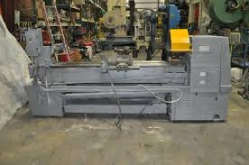 clausing engine lathe. click on photo to appear in center clausing engine lathe