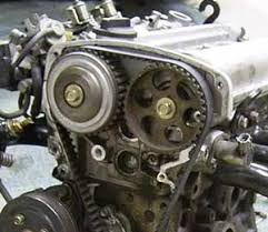 working vvt on the 20v 4age this is a 20v engine the cam belt cover removed visible is the left hand side pulley which is the vvt gear the vvt solenoid is also visible as the