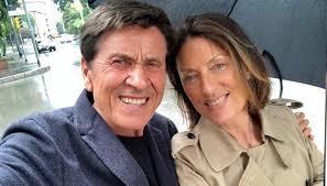La coppia, in coda in autostrada, ha cercato un modo un po' diverso per combattere la noia. Who Is Anna Dan Gianni Morandi S Wife