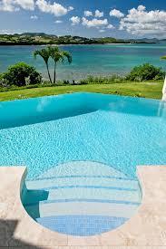 Luxury: Pool Waterfall - Infinity Pool
