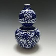CHINESE ANTIQUE BLUE AND WHITE DOUBLE-GOURD VASE, MARK AND PERIOD OF  QIANLONG