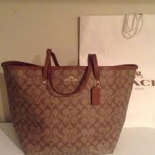 Nwt authentic coach large signature tote in khaki