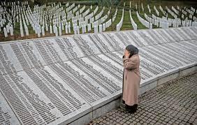 Massaker von Srebrenica: Gericht: Niederlande sind mitverantwortlich für  den Tod von 350 Menschen - Politik - Tagesspiegel