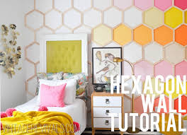 DIY hexagon wall mural (via vintagerevivals)