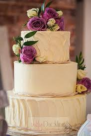 Top Tips For A Successful First Wedding Cake