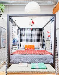 Image Canopy Bed In Small Bedroom Architectural Digest Smallbedroom Ideas Design Layout And Decor Inspiration