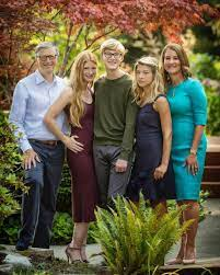 No smartphones and they have to do the dishes every night - The extremely  humble parenting style of Bill and Melinda Gates - The centibillionaire's  kids will inherit a paltry $10 million each : Luxurylaunches