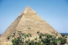 photo essay allure of the pyramids daisaku ikeda website giza 1992
