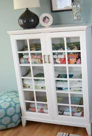Best 25+ Quilt display ideas on Pinterest | DIY quilting rack ... & This is a great way to store quilts - decorative yet organized. Adamdwight.com