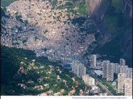 Resultado de imagem para favela da rocinha imagens