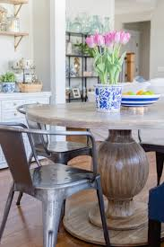 breakfast nook update with round farmhouse table