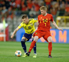 Manchester united youngster scott mctominay has chosen to play for scotland over england mctominay has emerged as a a surprise key player for united in recent months, earning the trust of. Man Utd Star Scott Mctominay Shares Ripped Training Pic From Barcelona As Crystal Palace Eye Transfer Swoop For Midfielder