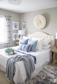 7 simple summer bedroom decorating