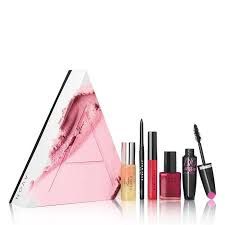 the new avon a box only 10 valued at 42 swing into spring avon avon thinkspring