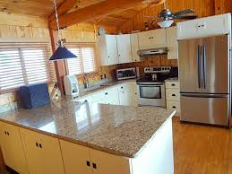 Kitchen Cabinets In Michigan Shaker Two Tone Cabinets Midwestern Kitchen Design