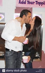 Blizz Yogurt Kyle Richards Mauricio Umansky Real Housewives Of Beverly Hills At