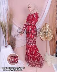 Model selanjutnya adalah kebaya modern hijab berbahan brokat yang didesain ala dress di bawah. Kebaya Duyung Modern Wisuda Daftar Harga Dress Kebaya Brukat Duyung Mermaid Bulan Mei 2021 Buat Tampilanmu Dengan Kebaya Modern Duyung Makin Ceria Dengan Dominasi Warna Pink Yuk Lucianahayashida