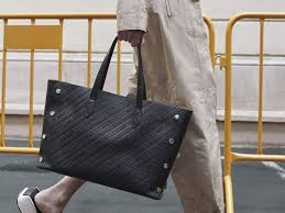 <b>Women's Handbags</b> collection by Givenchy. | GIVENCHY Paris