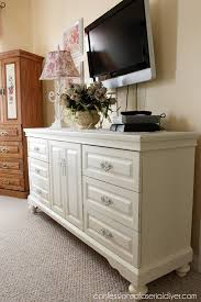 this was a dated oak dresser that was brought to life with diy chalk paint