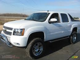 Chevrolet Avalanche 5.3 2010 | Auto images and Specification