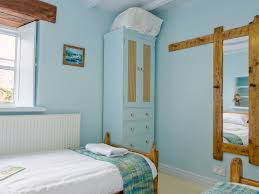 New England Bedroom Tregrill Farm Cottages New England Ref G65 In Menheniot