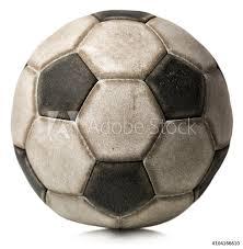 Fotografie Obraz Starý Fotbalový Míč Na Bílém Detail Staré černé