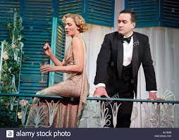 Private Lives by Noel Coward,directed by Richard Eyre.With Kim Cattrall as  Amanda,Matthew Macfadyen as Elyot Stock Photo - Alamy