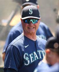 Mariners Extend Jerry Dipoto, Scott ...