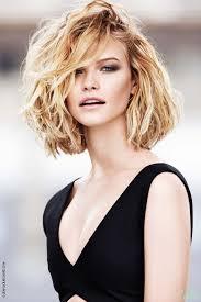 Belle Coupe Cheveux Femme Mi Long Degrade Visage Rond
