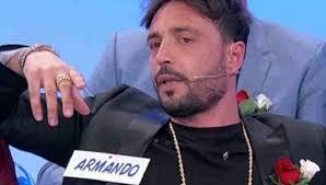 Uomini e Donne, la De Filippi pressa Armando sulla presunta ...