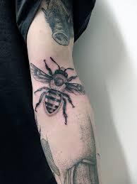 тату пчела значение татуировки пчелы эскизы и фото