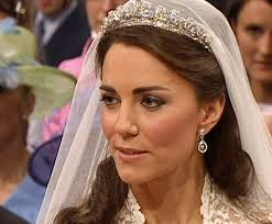 here s kate middleton s royal wedding official makeup she had said she was going to do her own make up and someone told me of her secret you