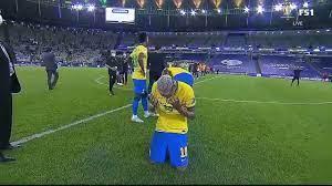 فيديو: لحظة حزن نيمار بعد خسارة نهائي كوبا أمريكا - هاي كورة