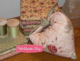 Free Quilt Patterns - Homespun Hearts Pincushion | Fat Quarter Shop & Homespun Hearts Pincushions Image Adamdwight.com