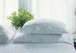 A Guide to Bed Pillow Fills, Sizes and Support