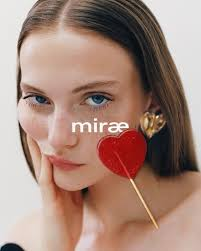 Parent - News - CAMILLE SUMMERS-VALLI shoots MIRAE AW18