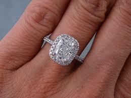 ctw cushion cut diamond engagement ring d si2