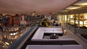 london-hotel-me-outside-bar